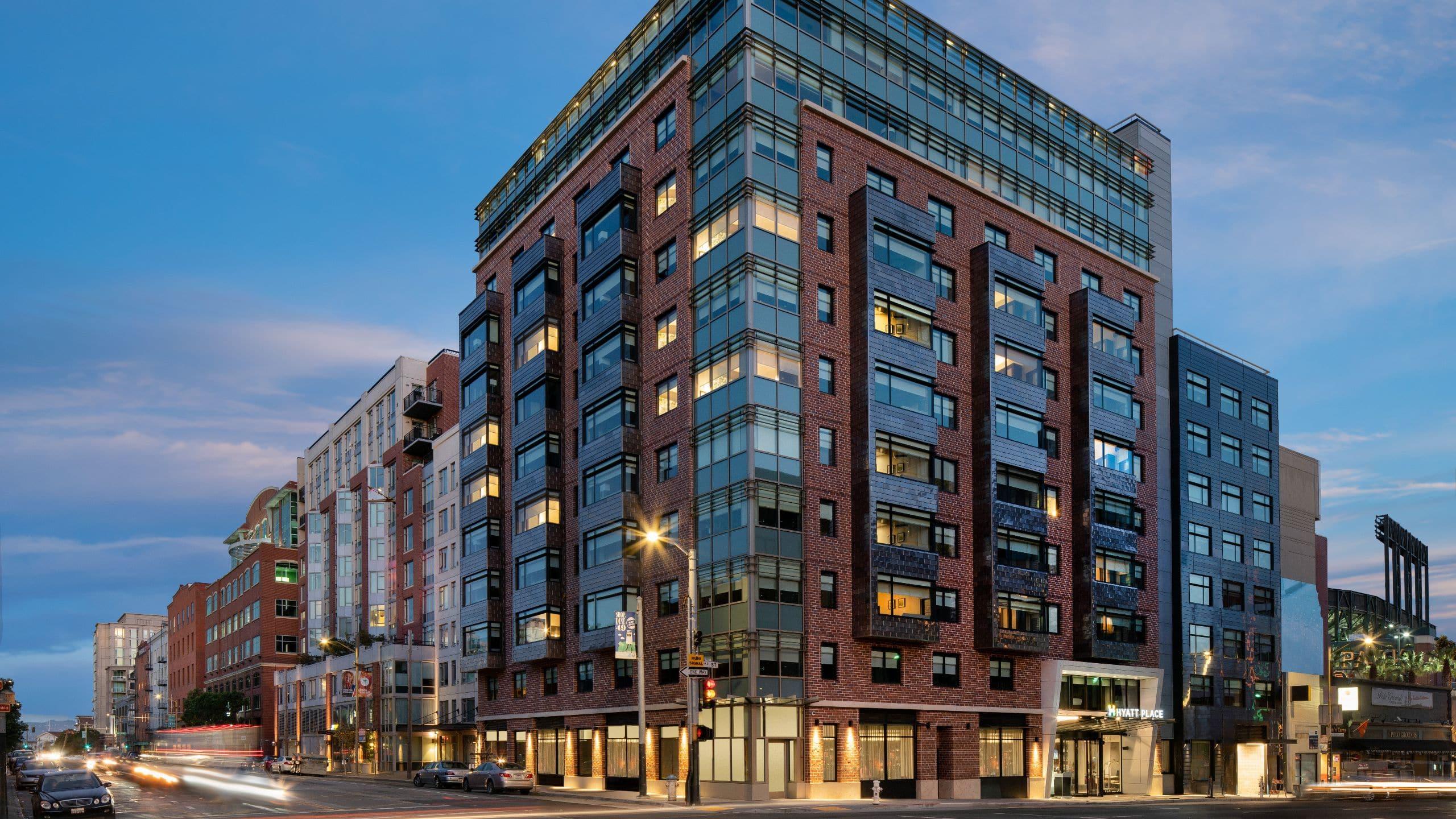 Contemporary Hotel near Oracle Park | Hyatt Place San Francisco / Downtown