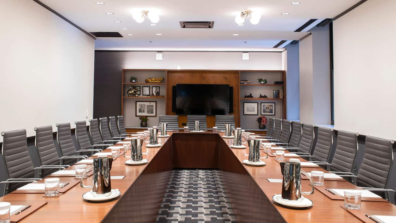 Evers boardroom