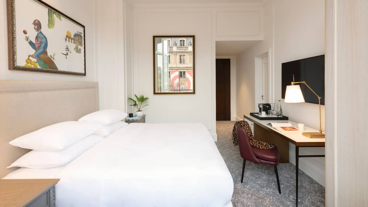 King Bedroom View on Palais Royal - Hotel du Louvre