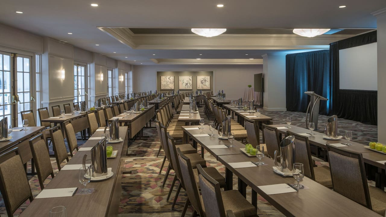 Alcazaba Lounge Hyatt Regency Coral Gables
