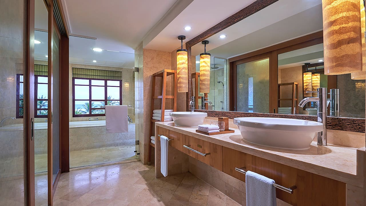 Bathroom 1 King Bed Ocean View Club Access at Grand Hyatt Bali, Nusa Dua