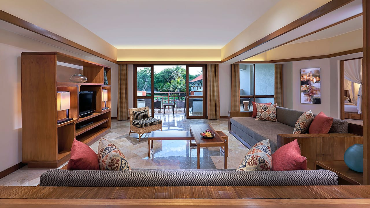 Club Executive Suite King (Living Room) Grand Hyatt Bali