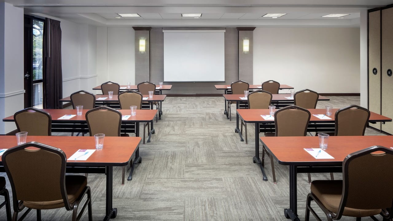 Hyatt Place Austin / Arboretum Meeting Room