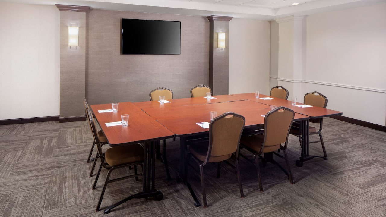 Hyatt Place Austin / Arboretum Conference Room