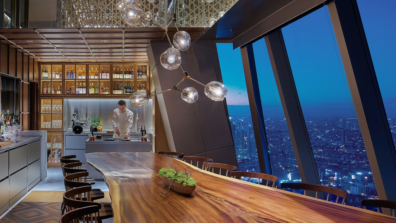 Grand Hyatt Manila The Peak Whisky Bar