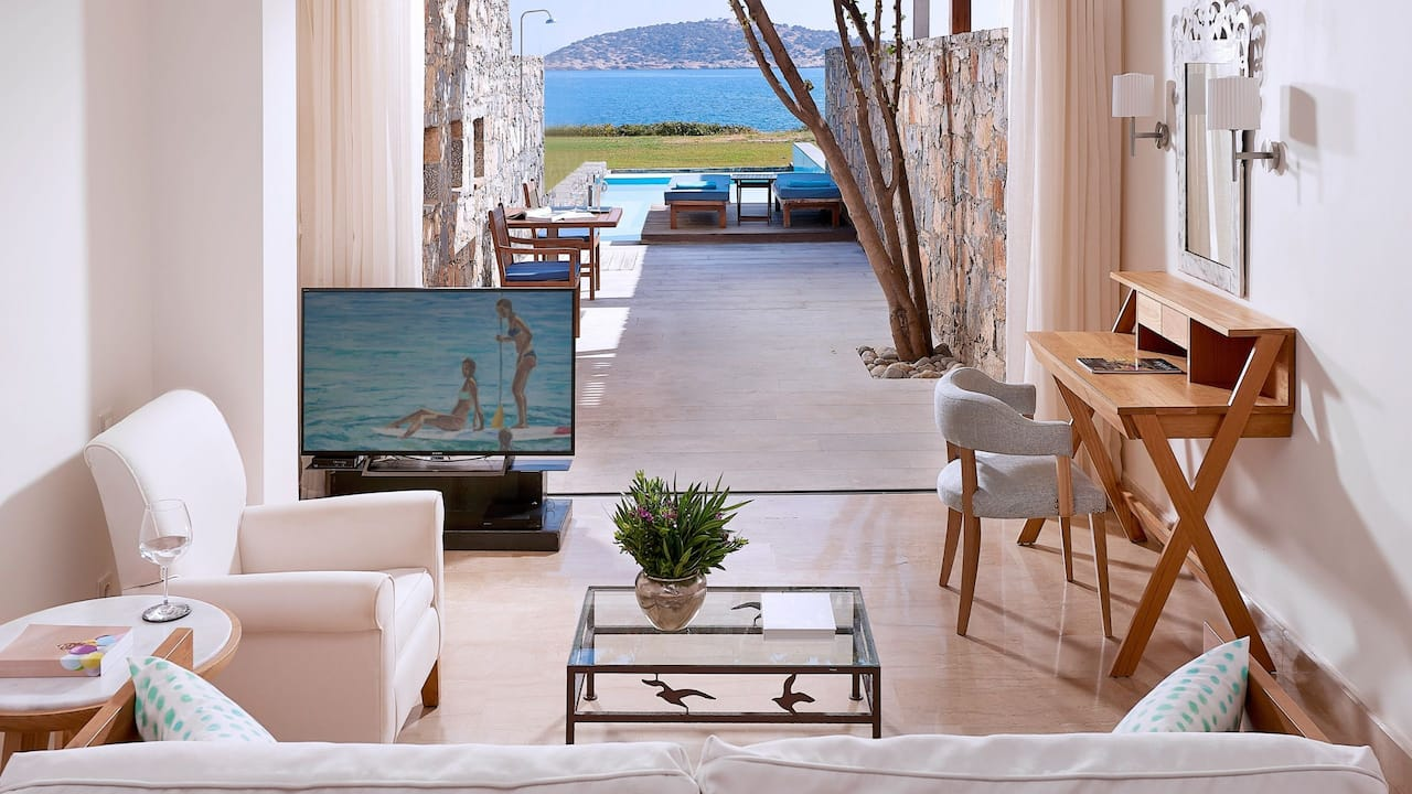 Club Mezzanine Seafront Suite Private Pool