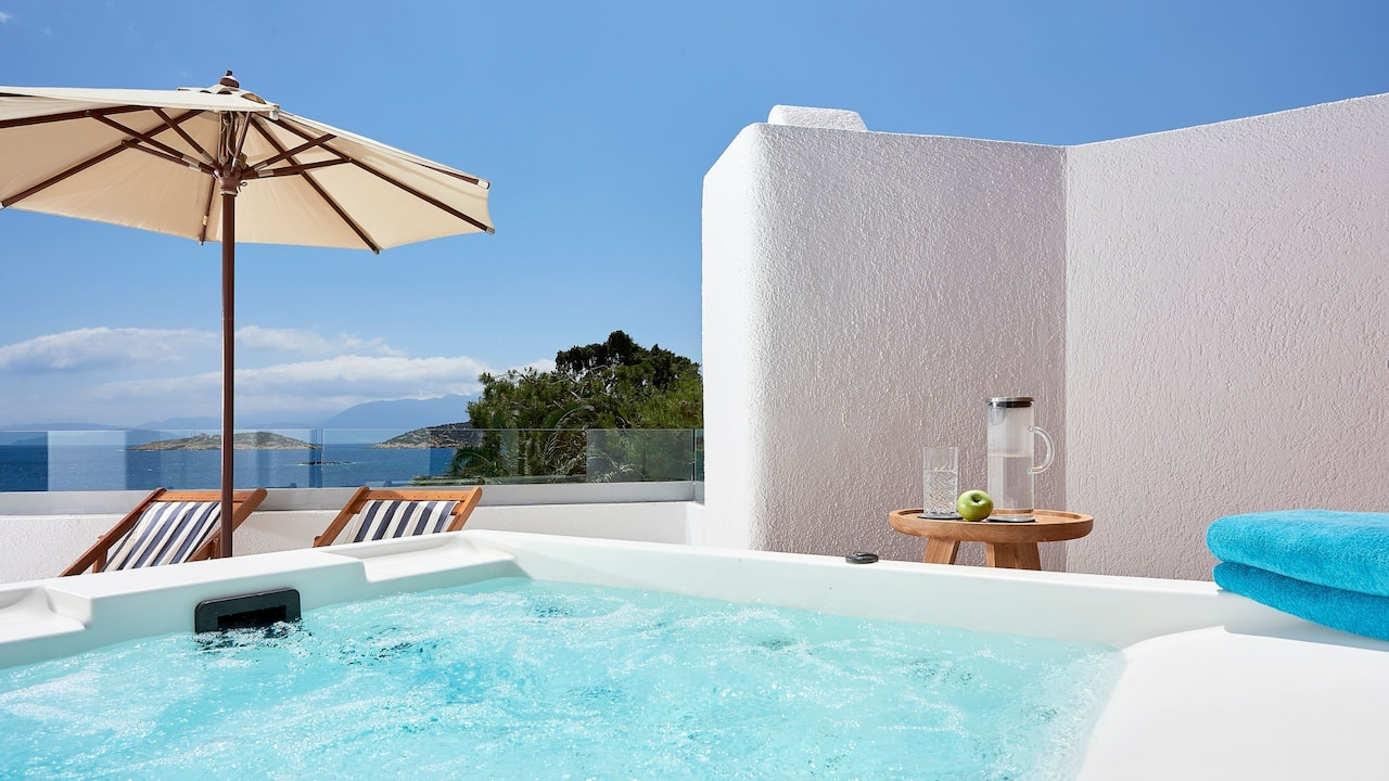 Club Jr. Suite Outdoor Heated Jacuzzi Seafront View
