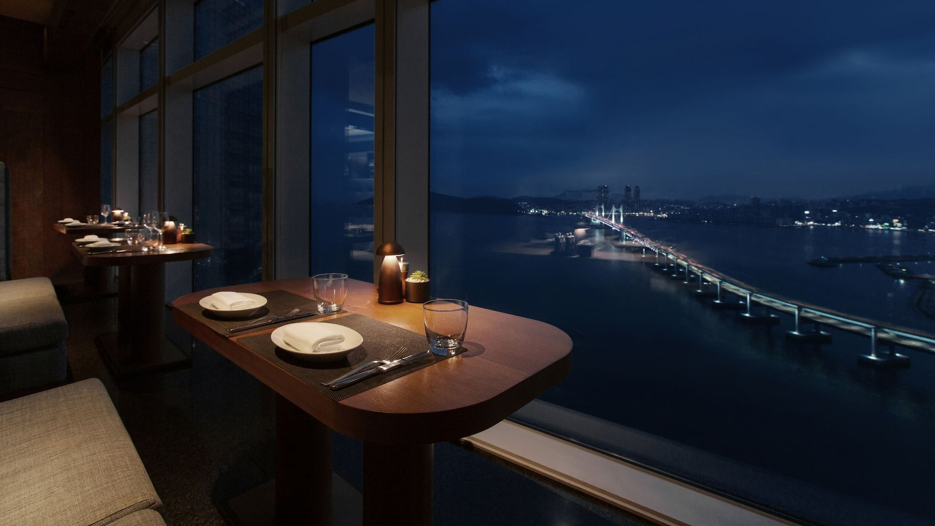 부산호텔 다이닝 레스토랑