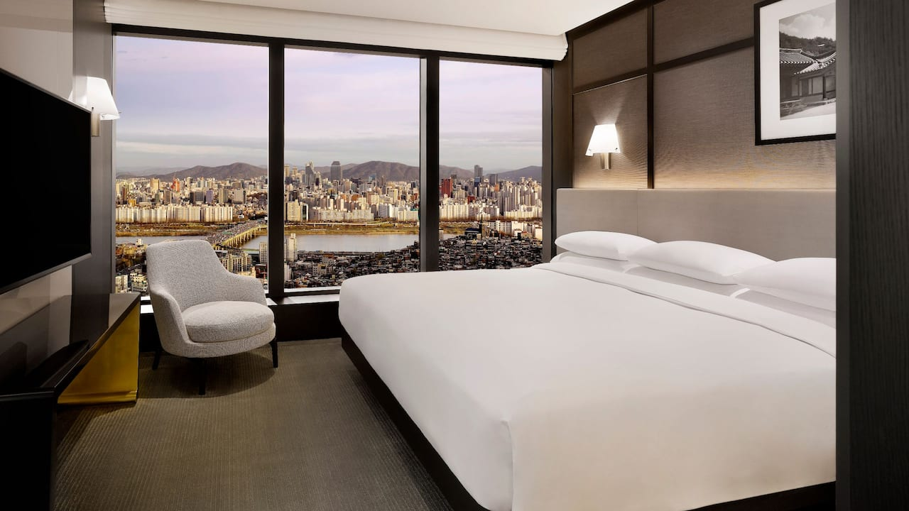 Grand Hyatt Seoul – Diplomatic Suite - Premium Suite with Spectacular Views of the Seoul Skyline