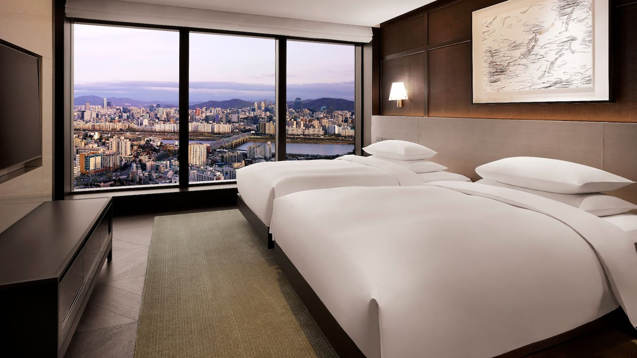 Grand Hyatt Seoul – Grand Executive Twin - Premium Suite with Spectacular Views of Han River