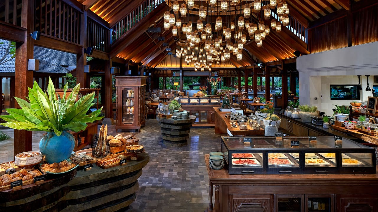 Breakfast at Omang Omang Restaurant Hyatt Regency Bali