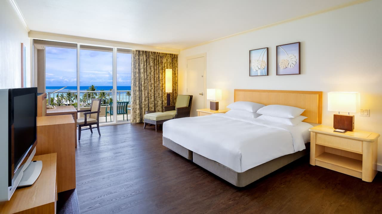 1 King Bed with Ocean View