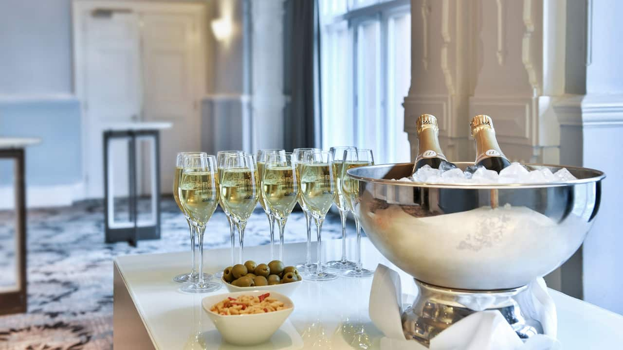 Champagne reception East London | Andaz London Liverpool Street