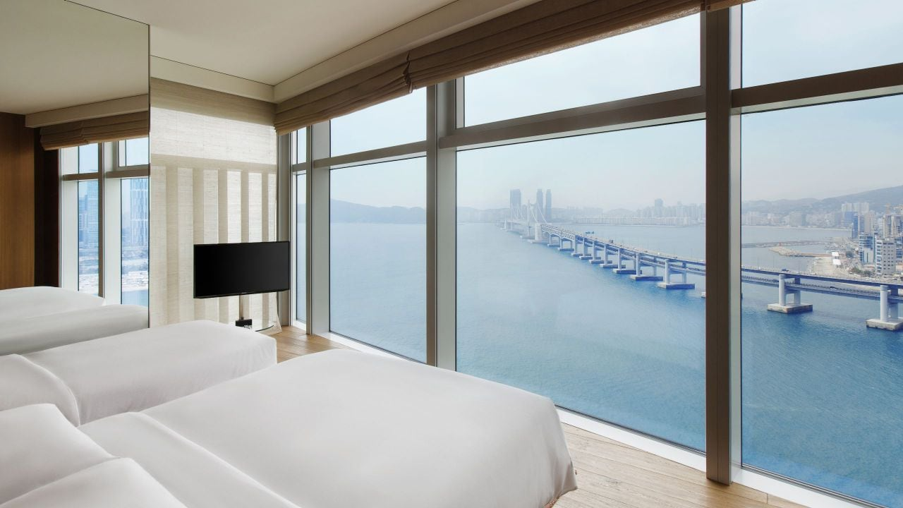 Busan Hotel Executive Family Suite Bedroom