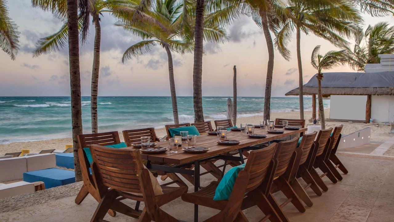 Event Beach Table