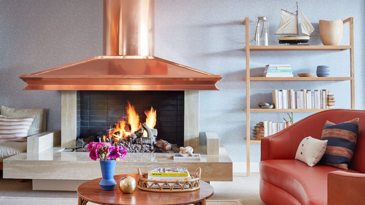 Living Room Bookshelves Fireplace