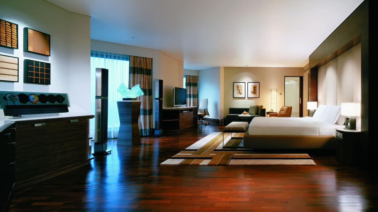 Presidential Suite Bedroom at Grand Hyatt Singapore