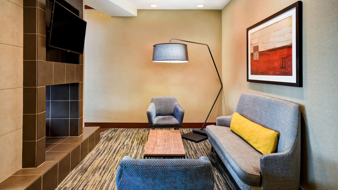 Hyatt Place Phoenix Gilbert Lobby Seating