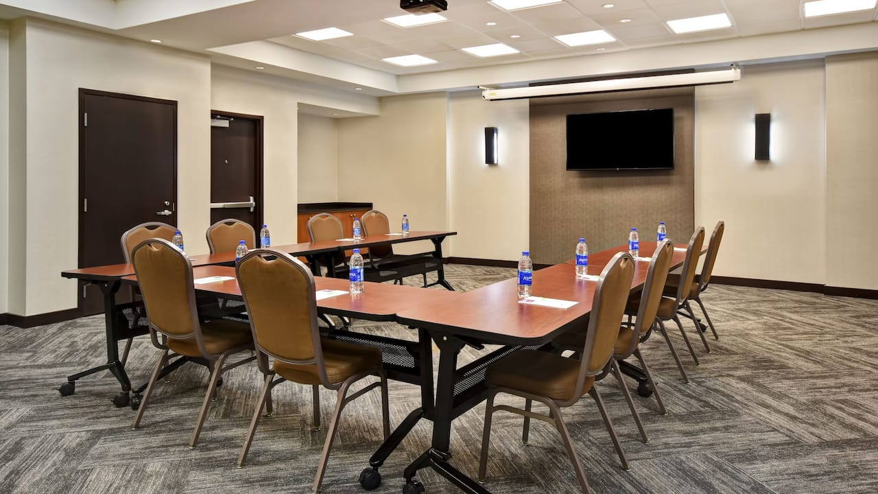 Hyatt Place Phoenix Gilbert Meeting Space U Shape Setup