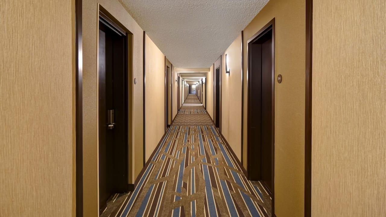 Hyatt Place Phoenix Gilbert Guestroom Hallway