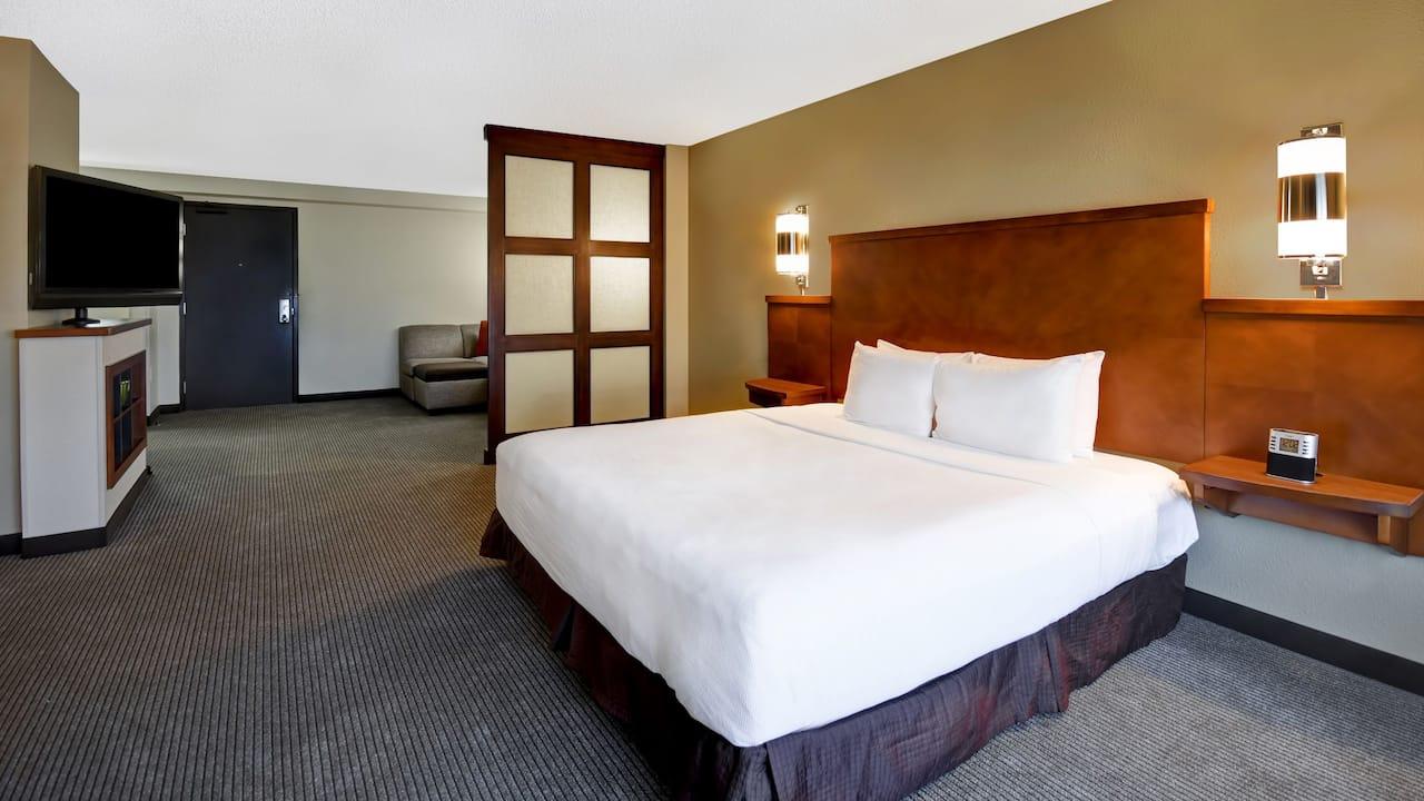Hyatt Place Phoenix Gilbert King Guestroom