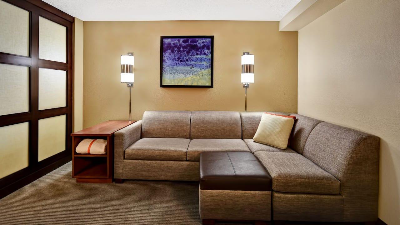 Hyatt Place Phoenix Gilbert Guestroom Living Area
