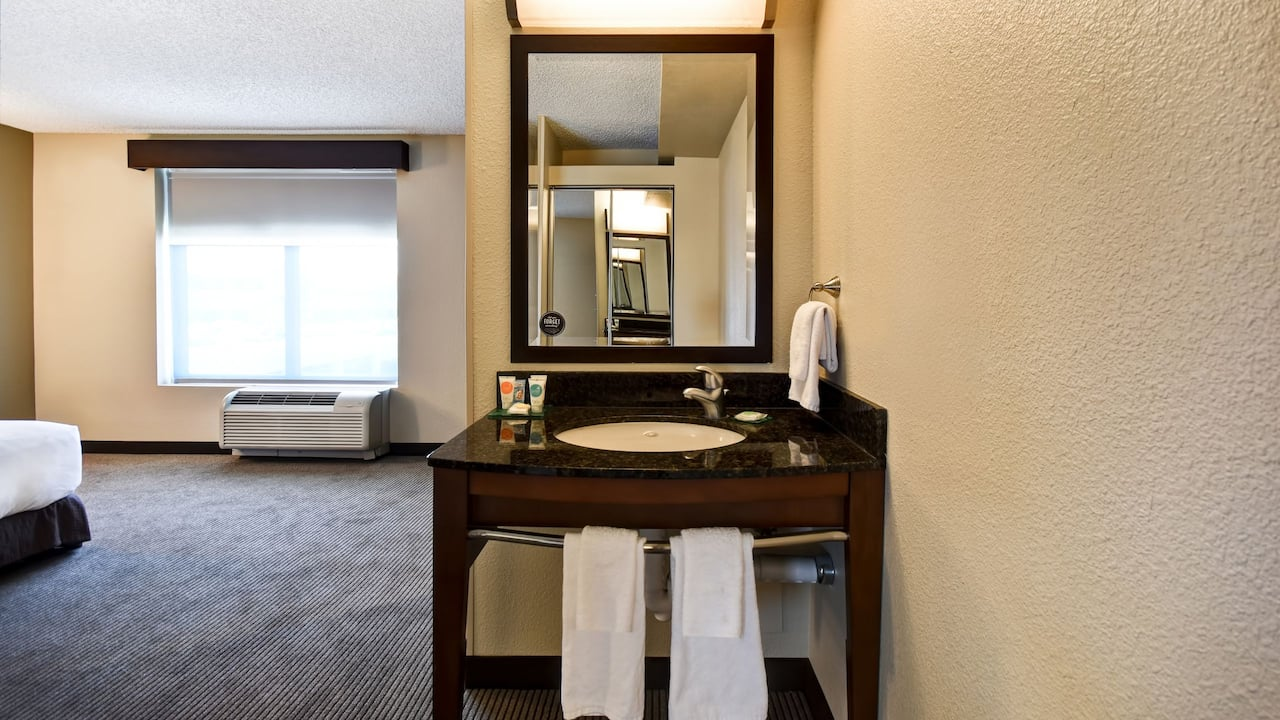 Hyatt Place Phoenix Gilbert Wheelchair Access Vanity