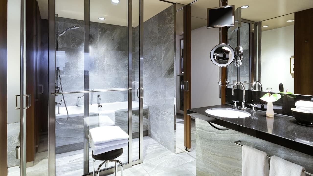 Bathroom Standard Room at Grand Hyatt Berlin