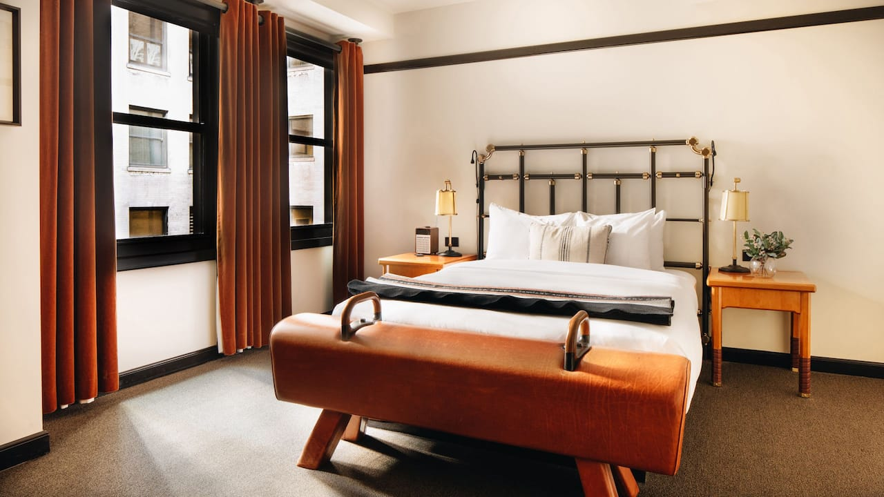 Chicago Athletic Association Hotel Queen Bed