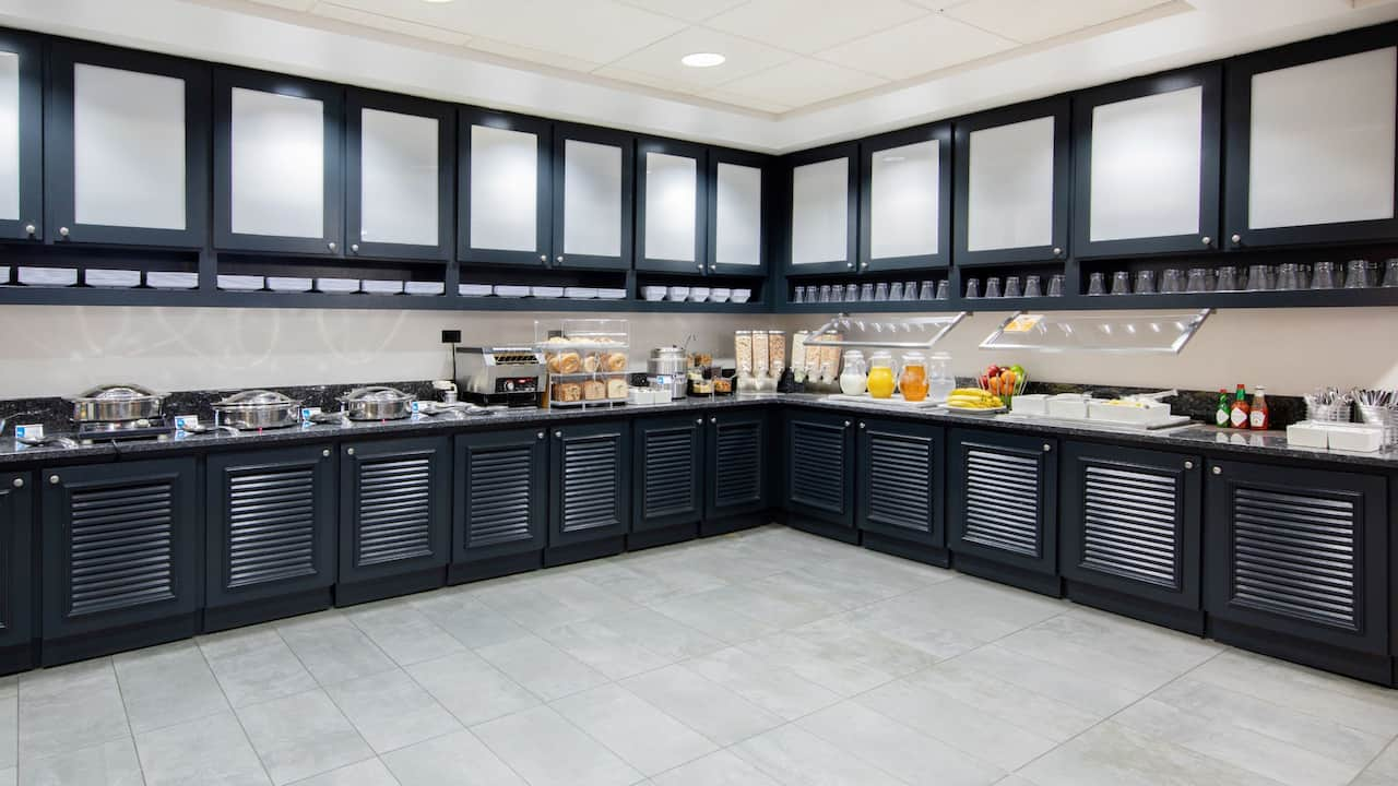 Lobby Kitchen