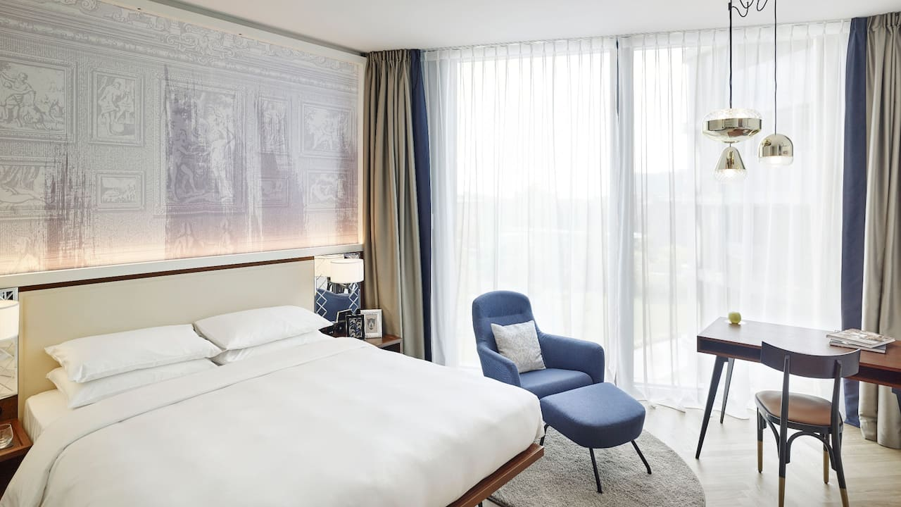 Andaz Vienna Am Belvedere 1 King Bed