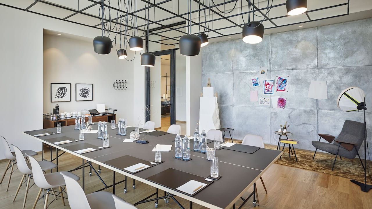Andaz Vienna Am Belvedere Artist Meeting Room