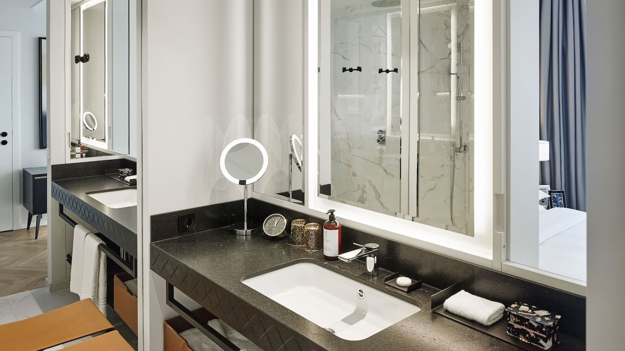 Andaz Vienna bathroom