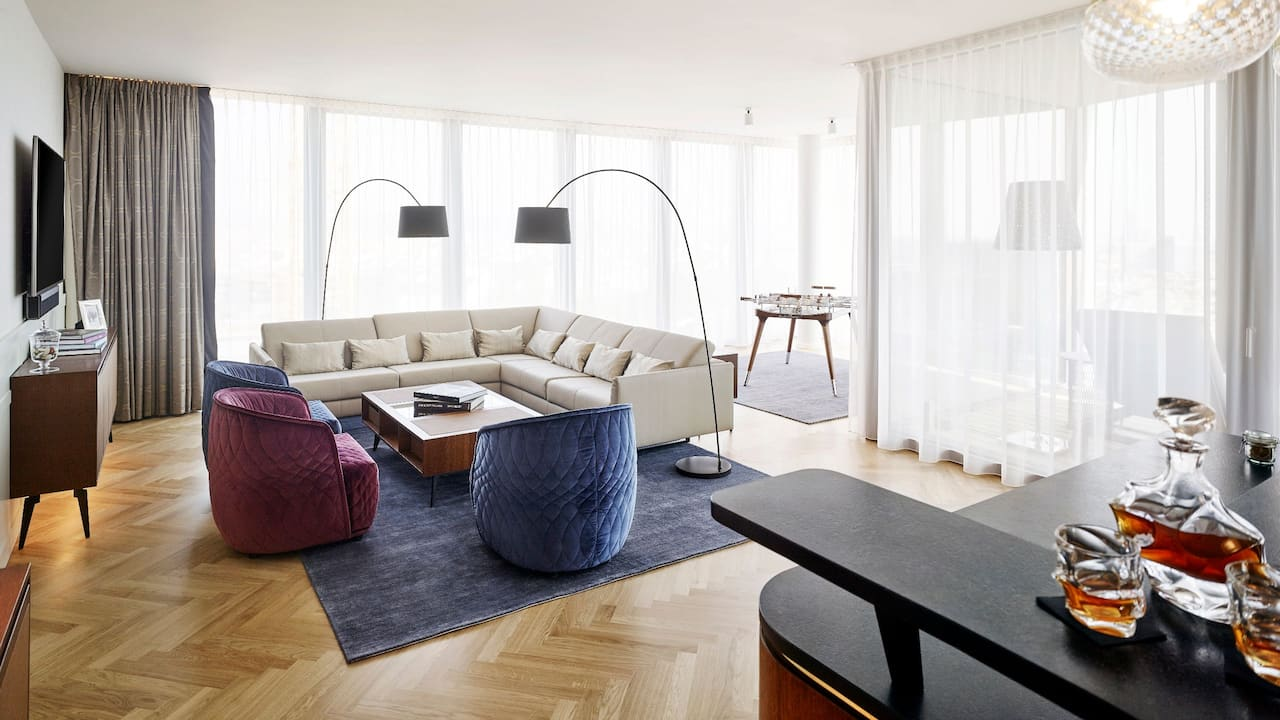 Andaz Vienna Am Belvedere Penthouse Suite Living Room