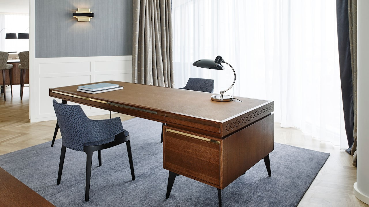 Andaz Vienna Am Belvedere Penthouse Suite Office