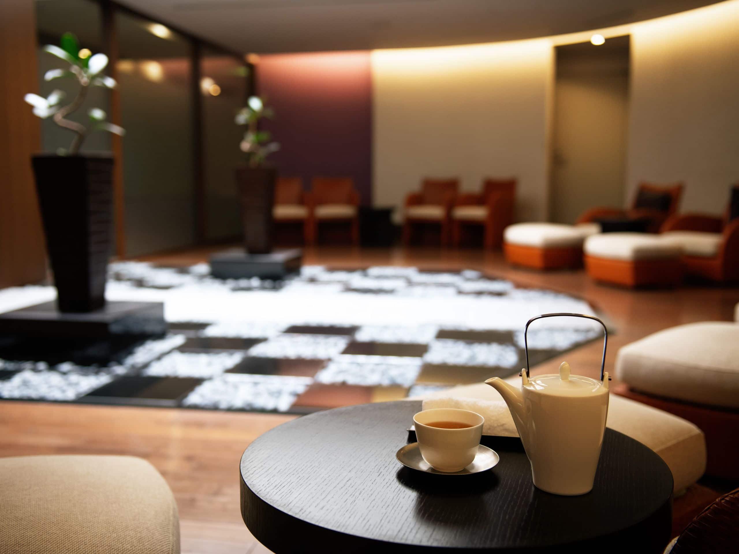 Hyatt Regency Hakone  Resot &  Spa   Spa Izumi Waiting Room
