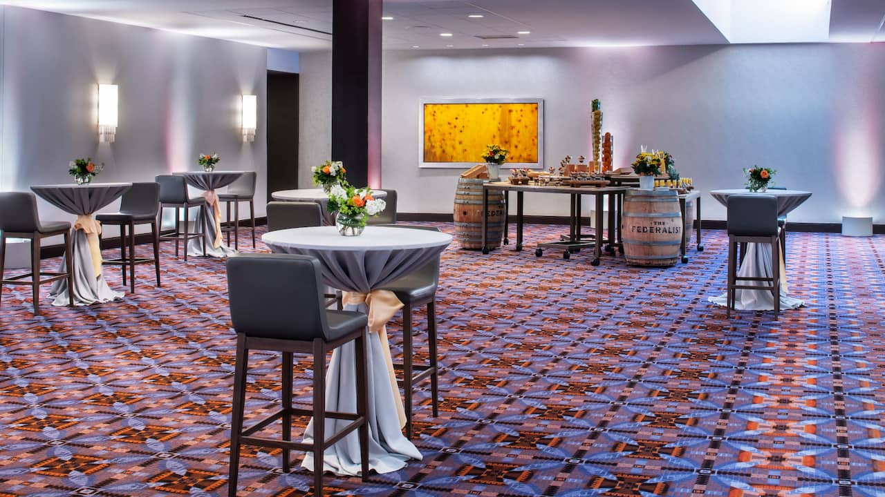 Spacious ballrooms for special events near O'Hare Airport