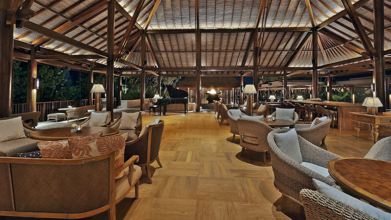Piano Lounge at Lobby Hotel Hyatt Regency Bali