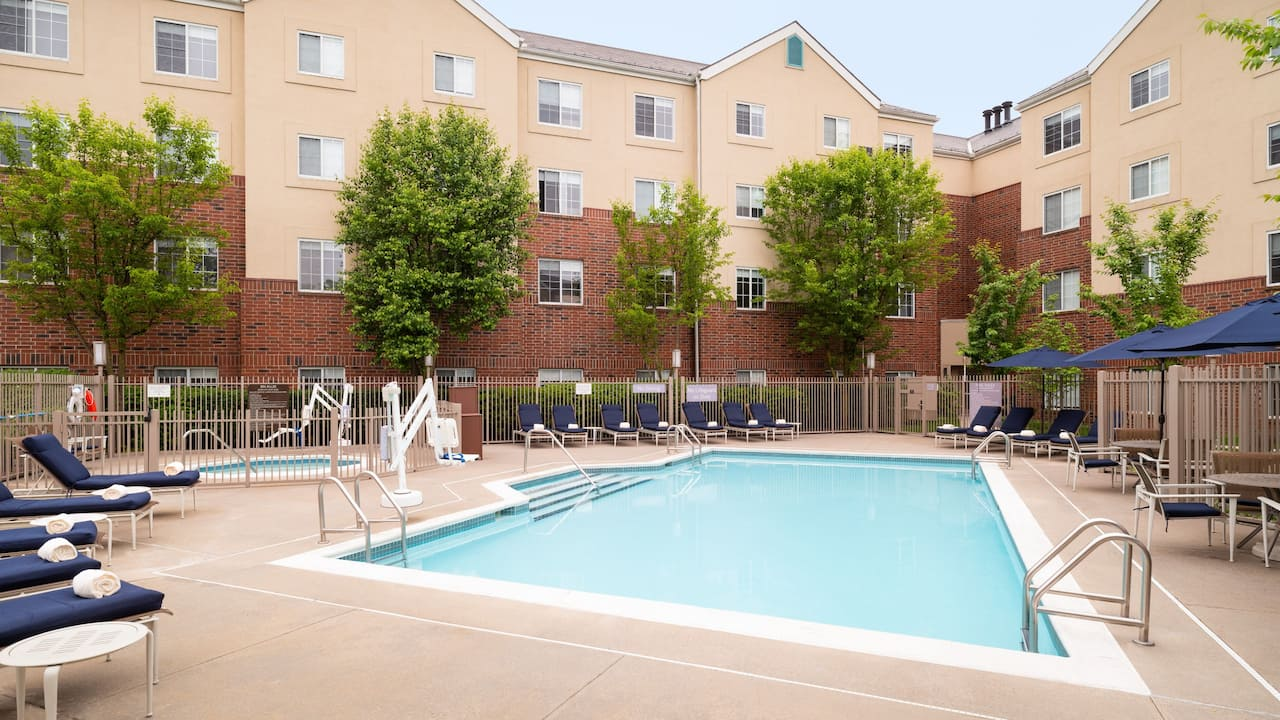 Hyatt House White Plains outdoor pool