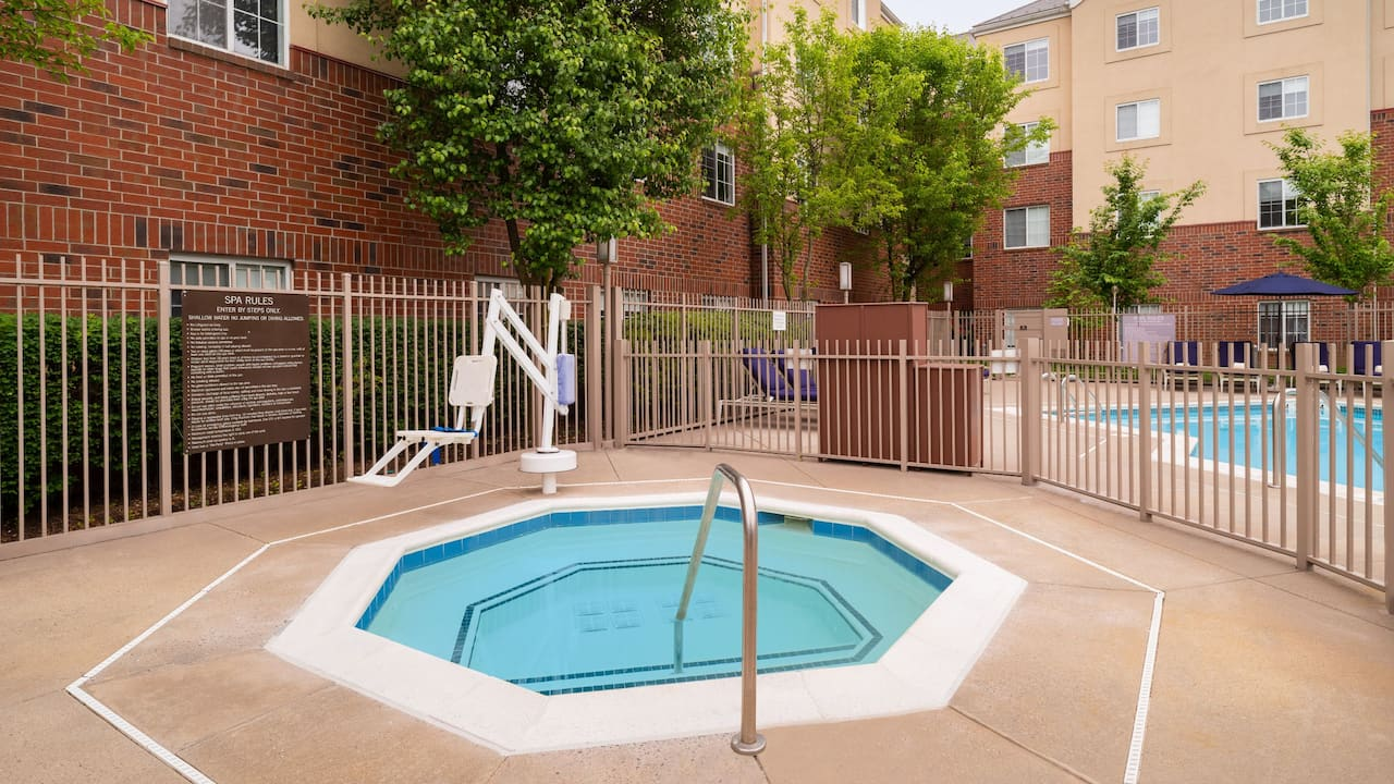 Hyatt House White Plains Outdoor Spa