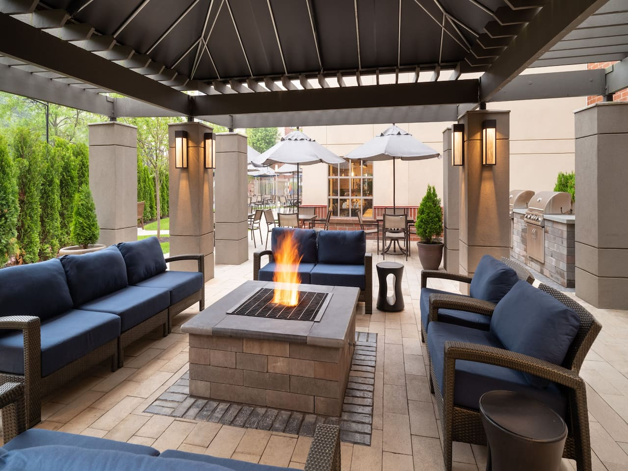 Hyatt House Fire Pit and Grill Seating