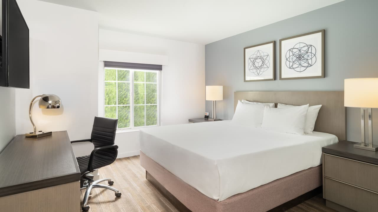 Hyatt House White Plains Studio Guestroom