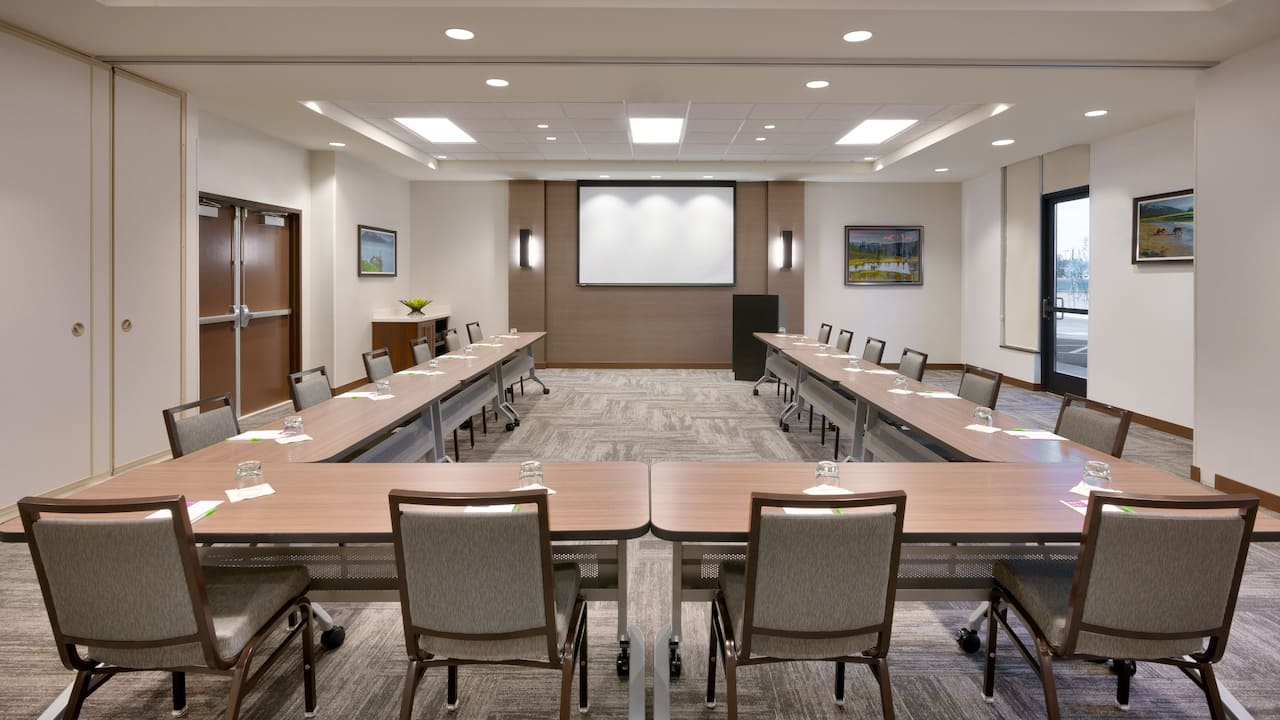 Meeting Room Ushape Setup