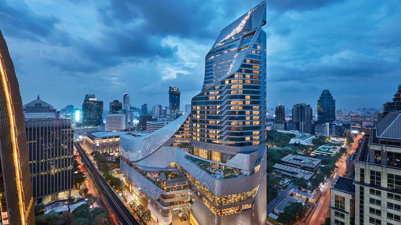 Luxury 5-star hotel in bangkok exterior shot