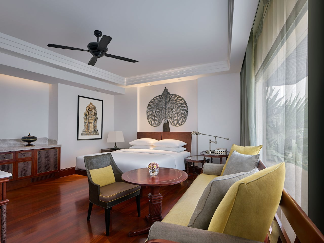 Best 5-star Luxury hotel in Siem Reap 1 King Bed Deluxe