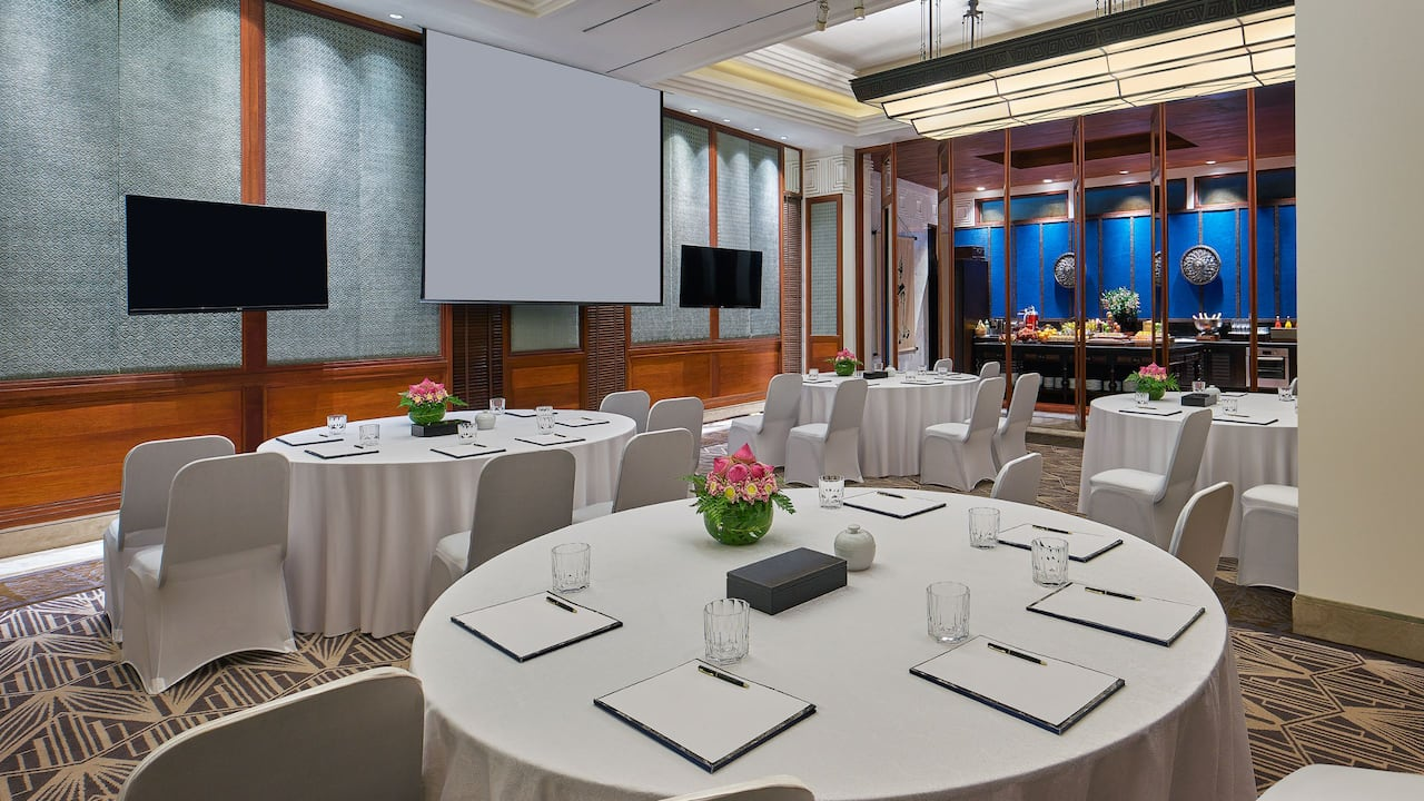 Luxury 5-star hotel in Siem Reap The Gallery Meeting Room