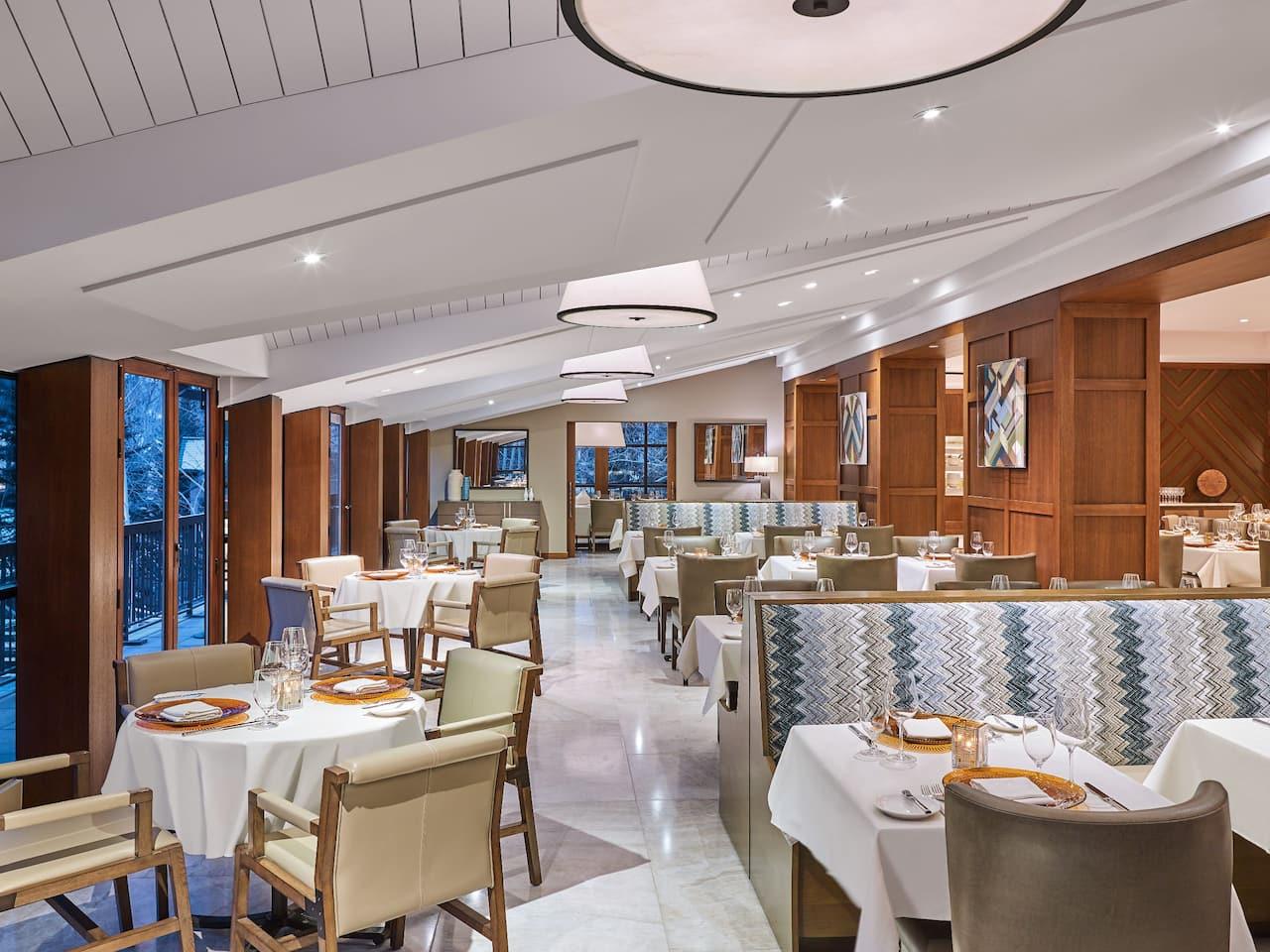 Gessner Restaurant Seating