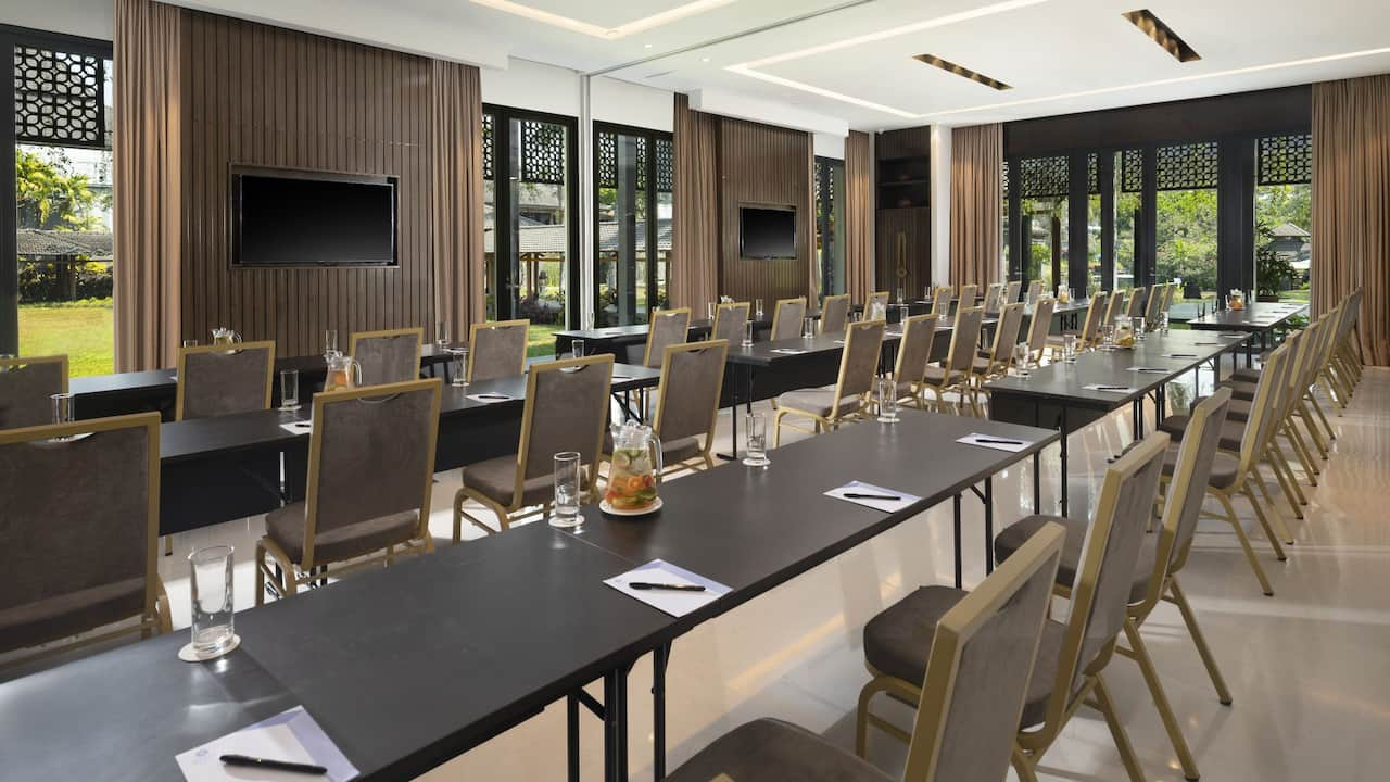 Rinjani Meeting Room for Business Meetings at Hyatt Regency Yogyakarta