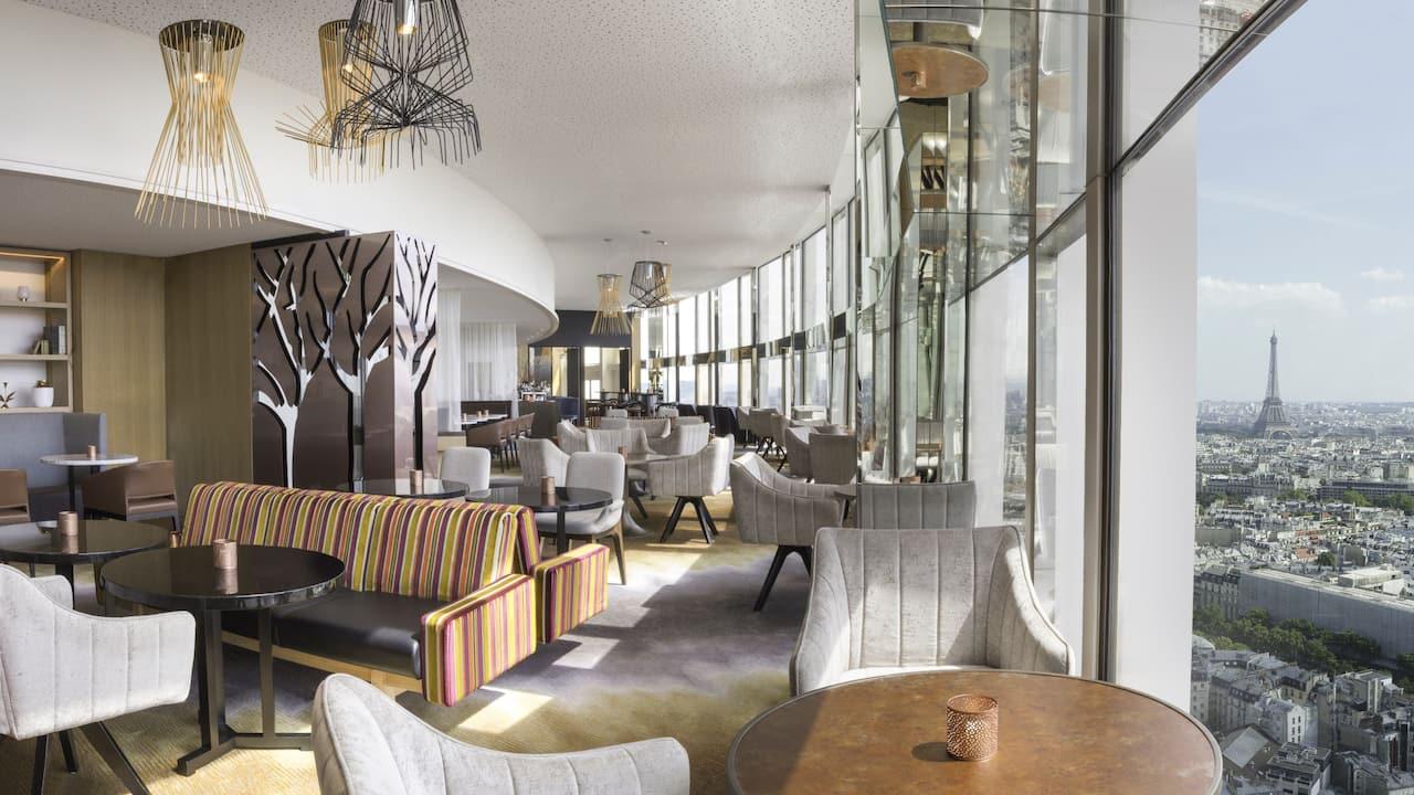 Hyatt-Regency-Paris-Etoile-Windo-Skybar