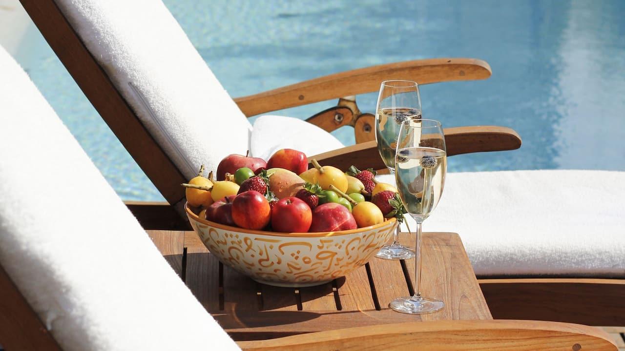 Nişantaşı Terrace pool with fruit